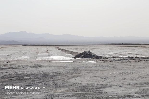 اراده قوی برای احیای دریاچه نمک قم وجود ندارد
