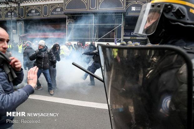 ادامه جنبش جلیقه زردها سال سیاهی را برای اقتصاد فرانسه رقم می زند