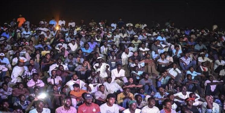 هزاران سودانی دیگر به جمع تحصن کنندگان پیوستند