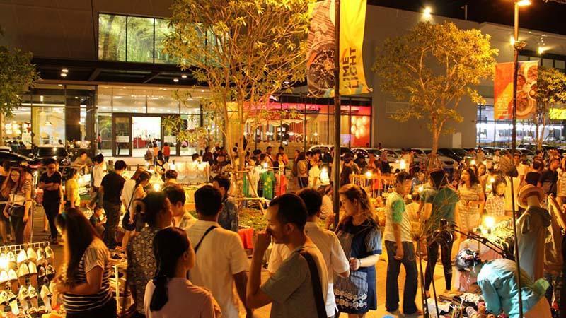 لذت خرید از بازارهای شبانه پوکت
