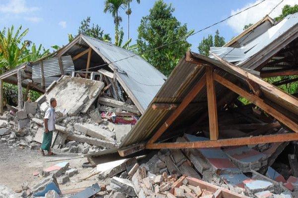تلفات زلزله اندونزی به 105 نفر افزایش یافت، یک نفر نجات یافت