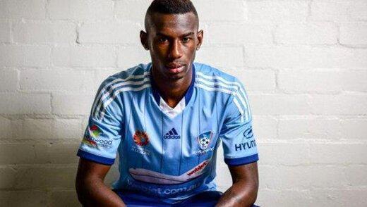 بازیکن آفریقایی-استرالیایی، دوشنبه در تست پزشکی استقلال