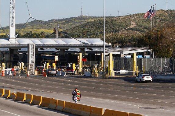 تمدید محدودیت های مسافرتی در مکزیک، کانادا و آمریکا