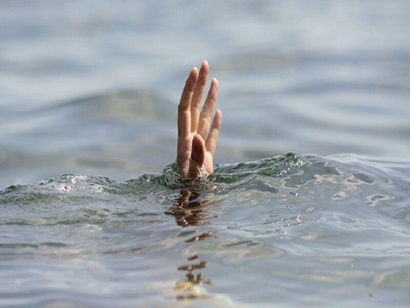 خبرنگاران سه نفر در تالاب هامون غرق شدند