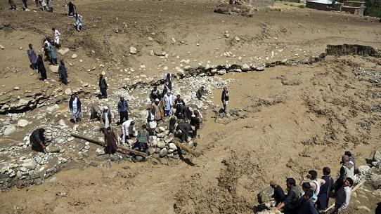 45 کشته در سیل شبانه در افغانستان، اغلب قربانیان زن و کودک هستند