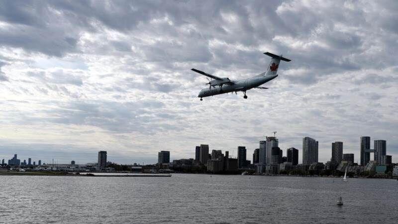 کانادا ورود هواپیماهای مسافربری از انگلیس را ممنوع نمود