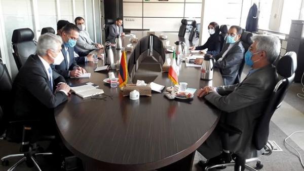 بانک های مرکزی ایران و ارمنستان از مکانیزم تهاتر کالا بین دو کشور حمایت نمایند