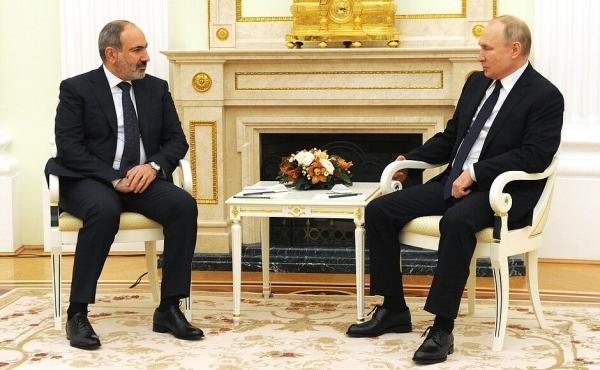 پاشینیان: ارتش ارمنستان با یاری روسیه بازسازی می گردد
