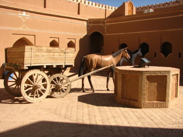 چاپارخانه میبد؛ بنایی باقیمانده از دوران قاجار
