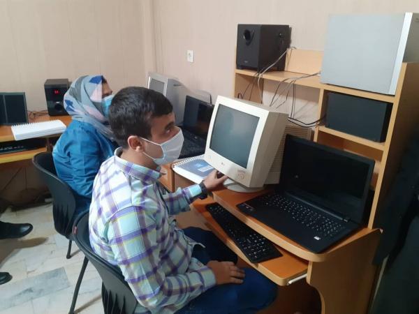 خبرنگاران آموزش مهارت به نابینایان قزوینی کلید خورد