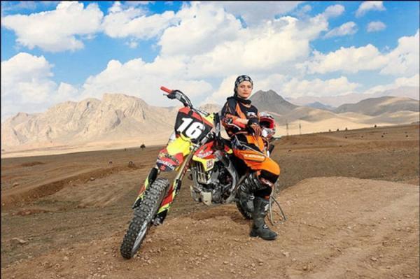 موتورسواری بانوان ایرانی و محدودیت هایی که نباید باشند