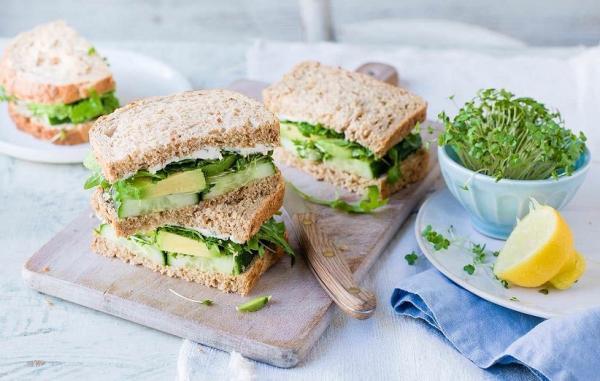 طرز تهیه 8 ساندویچ خوشمزه و سبک مناسب برای افطاری