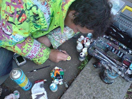 هنرنمایی آدامسی در خیابان!