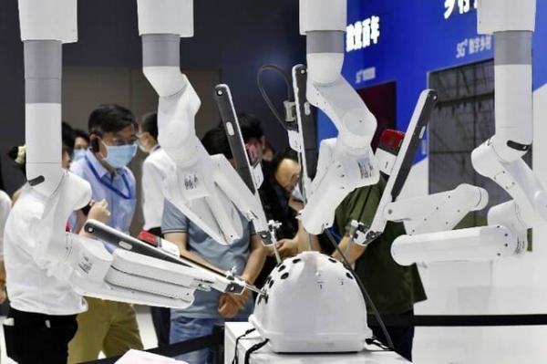 جراحی زنان با روبات پیشرفته